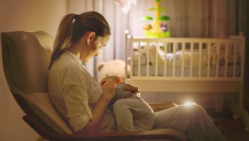 11 Genius Breastfeeding Hacks for Brand New Moms