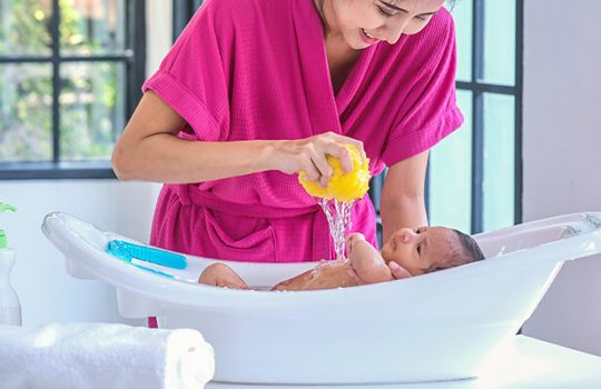 Baby's First Bath: How to Bathe a Newborn